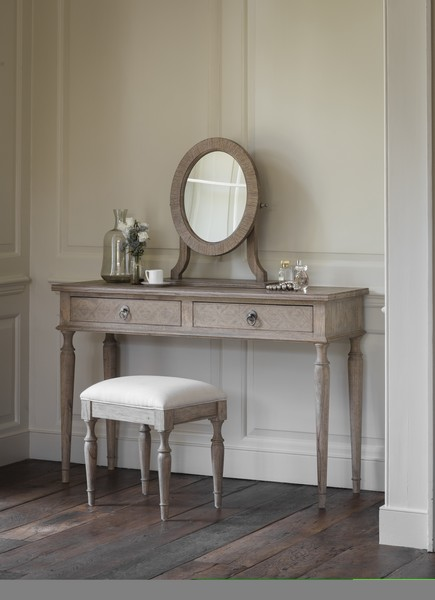 newest f41ea 1e936 Colonial Dressing Table